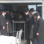 """כ""""ק אהדמו""""ר מתולדות אברהם יצחק במעמד הלוויה"""