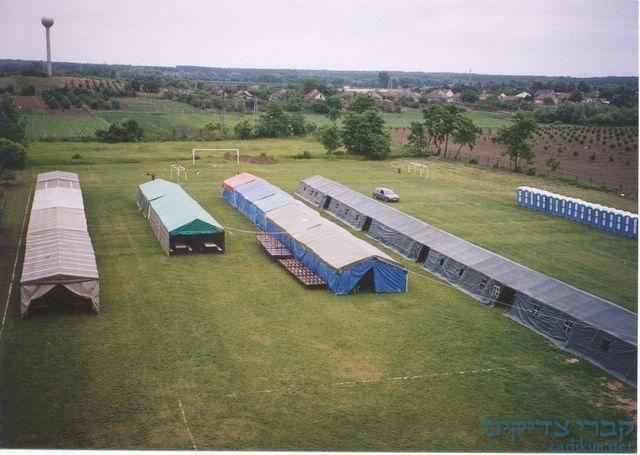 האוהלים ענקיים לרגל השבת הגדולה בטאהש